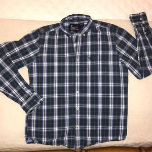 American Eagle Outfitters M Blue Plaid Button Down